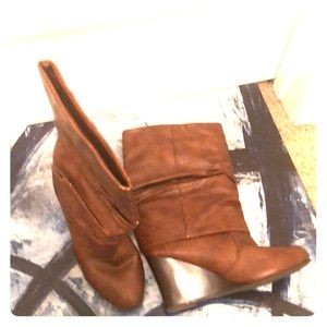 Madden Girl Brown wedge boot